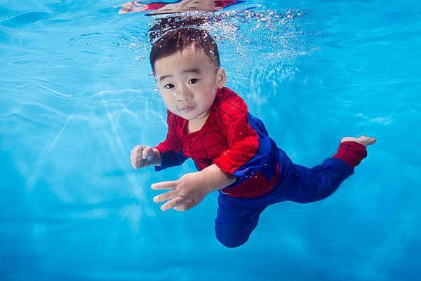水中蜘蛛人:恩恩.jpg