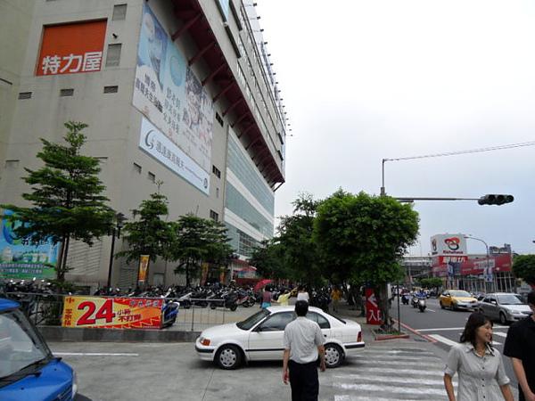 新店房屋 捷運七張站公寓 家樂福三房