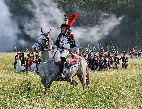 Bataille_Waterloo_1815_reconstitution_2011_cuirassier