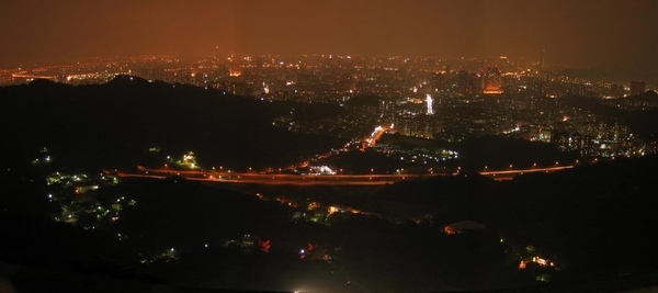 中和烘爐地夜景.jpg