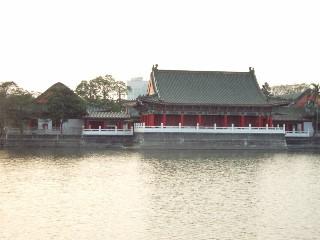 左營蓮池潭孔廟.jpg