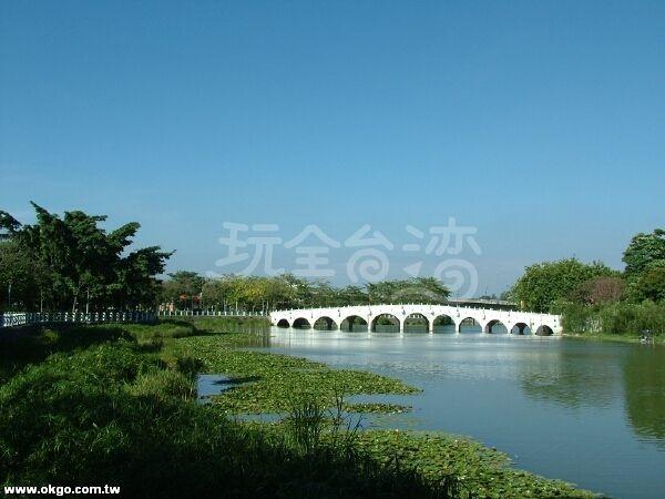 高雄金獅湖5.jpg