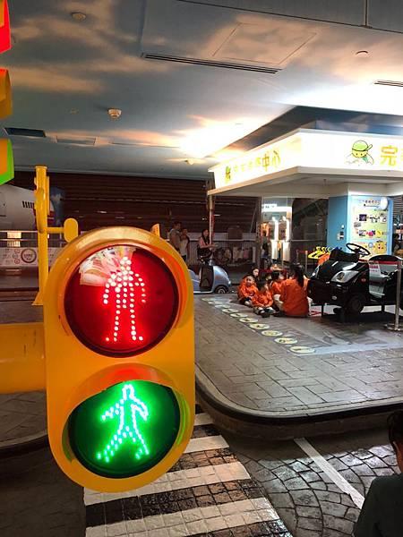 台北 京華城 BabyBoss 職業體驗 親子館 辦家家酒 變裝