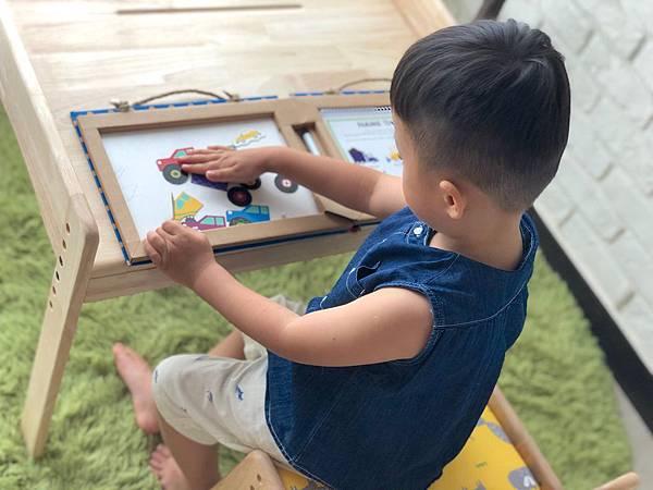【書桌推薦】環安幼兒成長桌椅組 寶貝的第一個成長好朋友  /加大款/環安實木環保家具/可多段調整/終身維修/1-13歲書桌/環保無毒