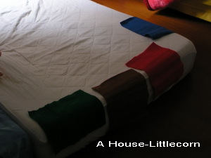 排列遊戲:不織布裝飾床邊