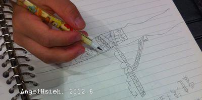 新竹巨城美食街低頭寫的數學(2012.6)