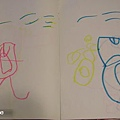 馬桶(左:小玉米畫,右:鄰居小姐姐)