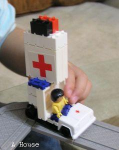 救護車(3y8m)