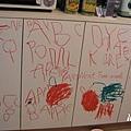 櫥櫃門塗鴉(3y10m)