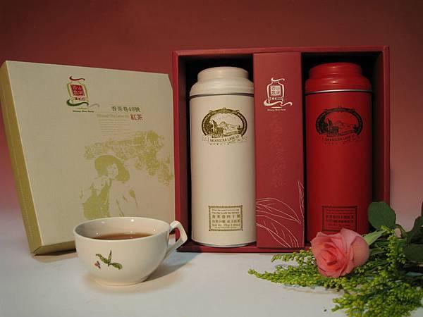 18號+8號-紅白鐵罐禮盒裝(75g+75g)(600元).jpg