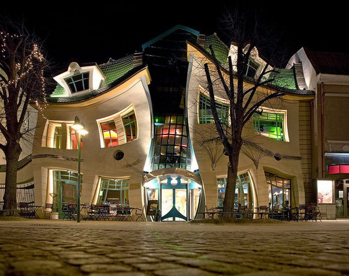 Crooked_House_Szotynscy__Zaleski_1