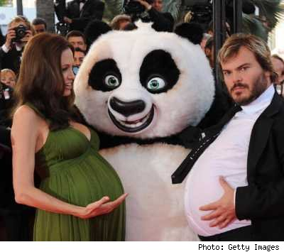 kung-fu-panda-jack-black-angelina-jolie-pregnant-express-belly-bump-stomach-france-funny.jpg