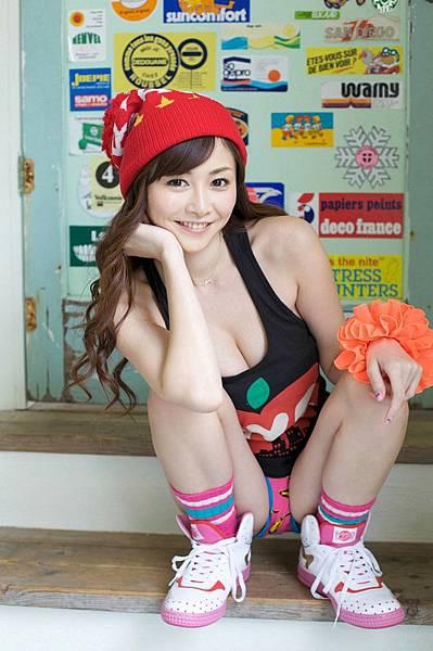 sugihara_anri_01_01.jpg