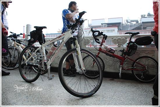 2010媽祖萬人崇Bike17.JPG