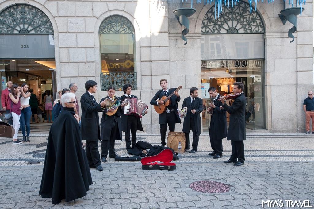 葡萄牙波多- 路旁聽演奏