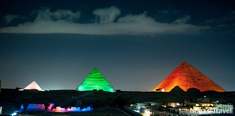 金字塔燈光秀