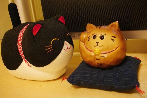 大弟送的搖擺貓與招福貓