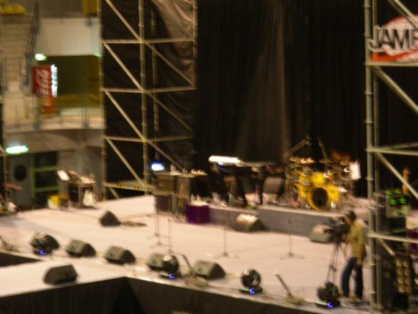 舞台上樂器