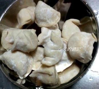 8弄手工餃子 (生水餃,尚未下水煮)