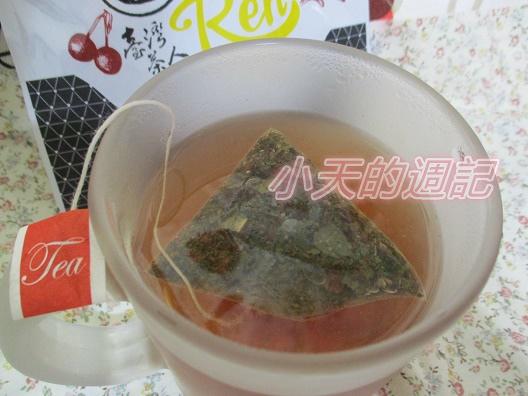 【試喝】台灣茶人-洛神荷葉纖盈茶3角立體茶包8.jpg