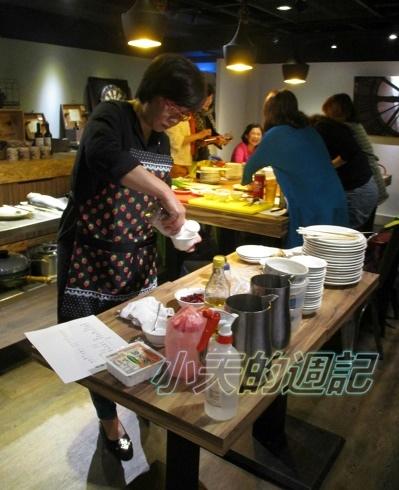 【課程體驗】 四川周-廚藝教室體驗 @ Azar輕食&咖啡 (無國界料理) _豆瓣魚2.JPG