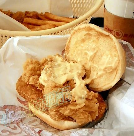 【BloggerAds體驗】肯德基 多種美味 高CP值 99群星餐 墨西哥辣椒薯餅雞腿堡6.jpg