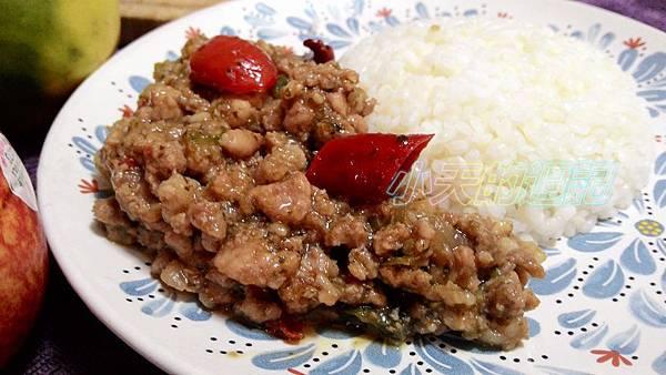 【試吃】泰式料理個人豪華組 - 5菜 (月亮蝦餅 、檸檬魚、綠咖哩雞、打拋豬、紅咖哩牛)13.jpg