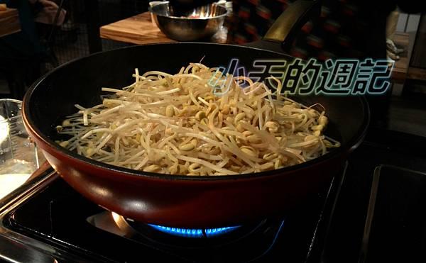 【課程體驗】 四川周-廚藝教室體驗 @ Azar輕食&咖啡 (無國界料理) _水煮牛肉5.jpg