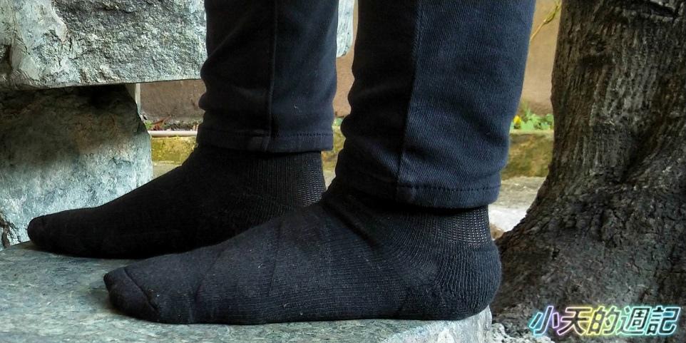 【試穿】Titan太肯運動襪 - 職場抗菌運動襪11.jpg