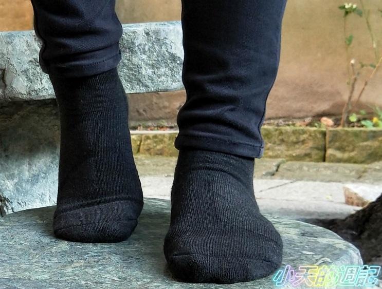 【試穿】Titan太肯運動襪 - 職場抗菌運動襪12.jpg