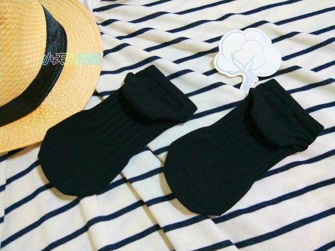 【試穿】titan太肯純棉學生襪 船型襪3.jpg