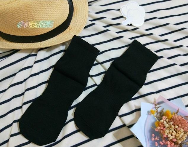 【試穿】titan太肯純棉學生襪 船型襪7.jpg