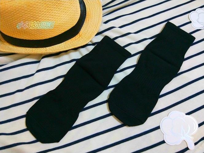 【試穿】titan太肯純棉學生襪 船型襪8.jpg