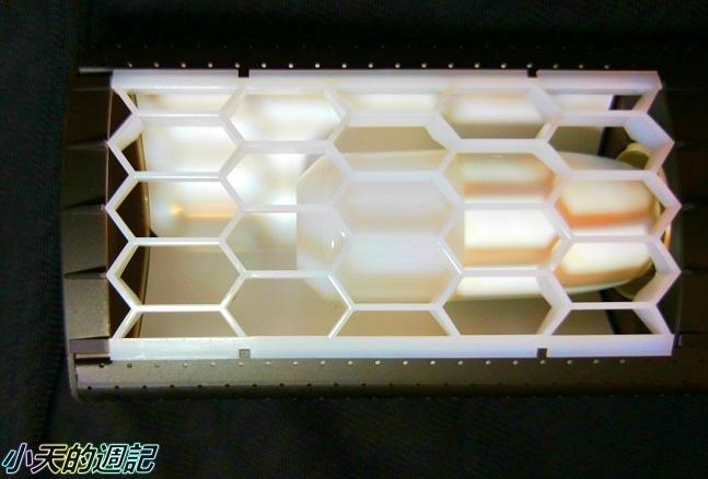 【試用】喜萬年SYLVANIA 第二代LED小小冰極光護眼檯燈 雙色切換版13.jpg