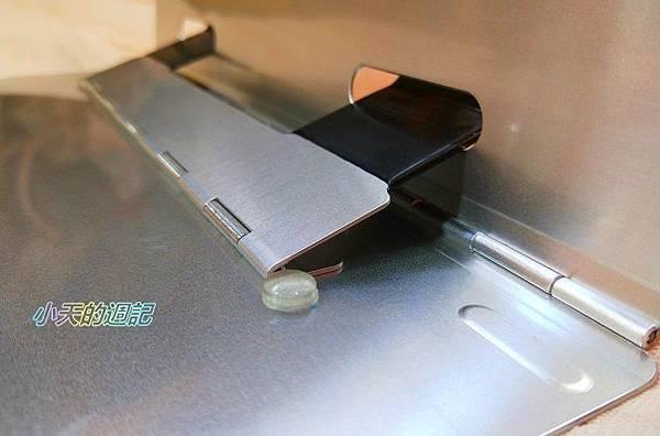 【試用】AIDATA愛得他 鋁合金筆電架 角度六段可調7.jpg