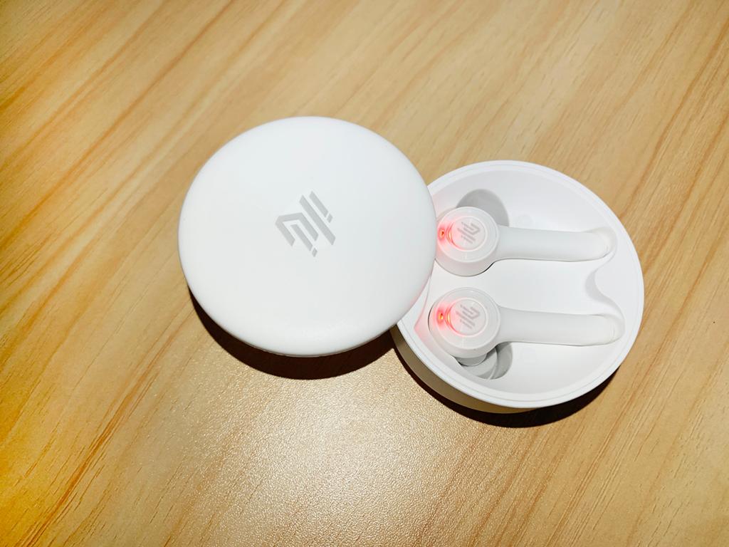 49101 Tiny Daily 充電艙耳機充電