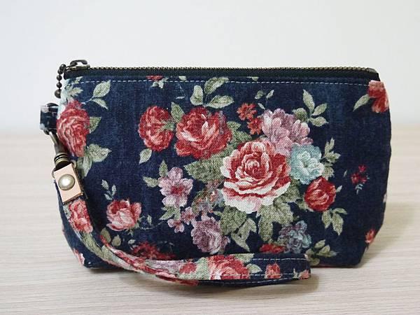 棉麻藍玫瑰手拿包1