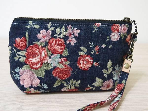 棉麻藍玫瑰手拿包2