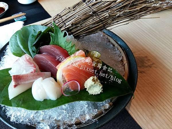 丸本陣生魚片-老三愛吃貨寫食記.jpg