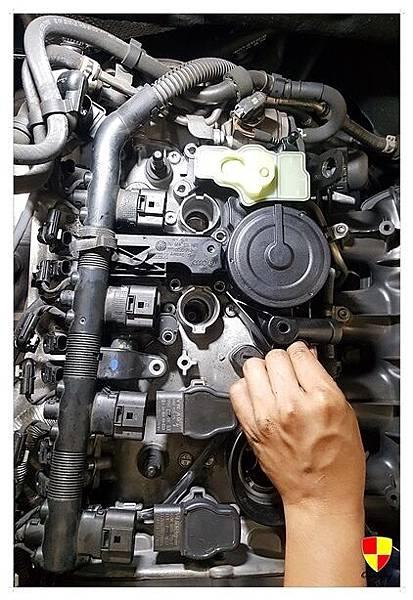AUDI A5 2.OT 保養亮引擎故障_171128_0023