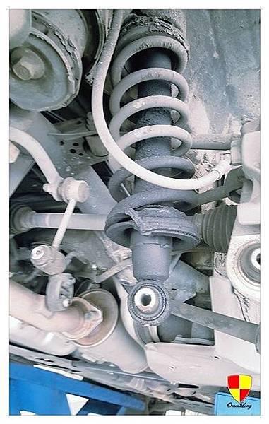 IS250避震器漏油_180103_0001