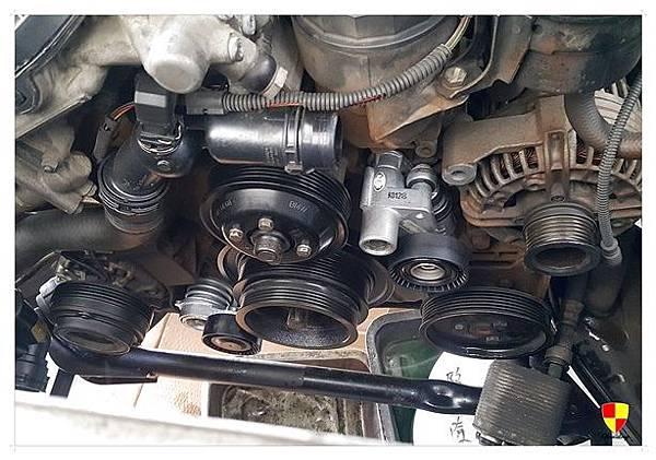 BMW X5漏水及皮帶唧唧叫_180103_0039