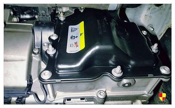 AUDI A3 更換變速箱電腦總成_180207_0010