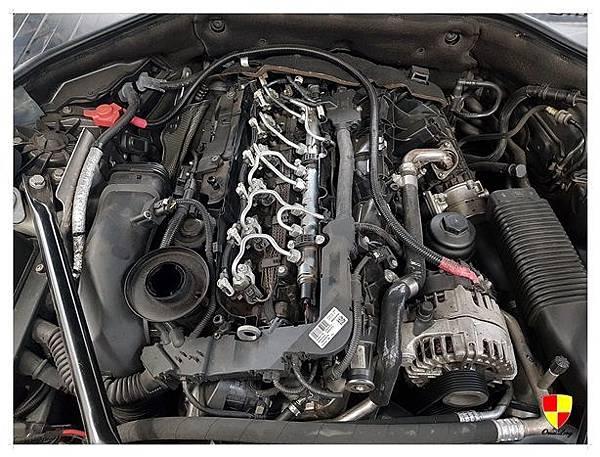 BMW F01 730d換汽門蓋2012_180307_0008
