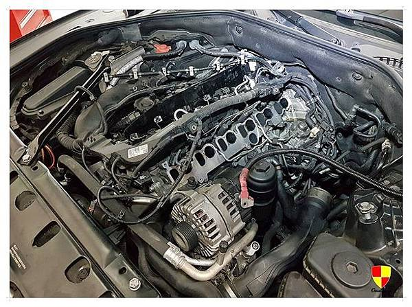 BMW F01 730d換汽門蓋2012_180307_0010