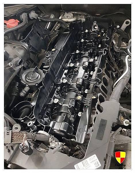 BMW F01 730d換汽門蓋2012_180307_0018