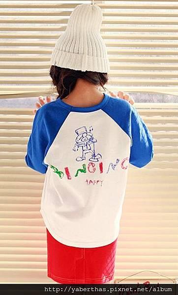 藍袖英文上衣2