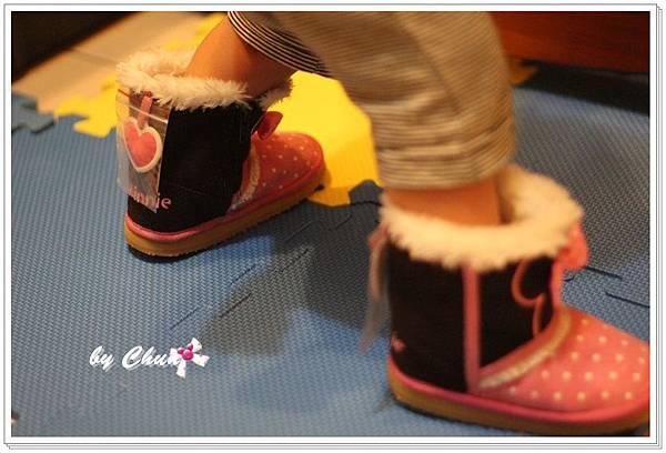 穿上米妮靴