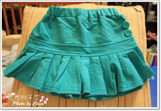 藍綠百褶裙