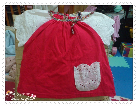 布蕾絲紅上衣